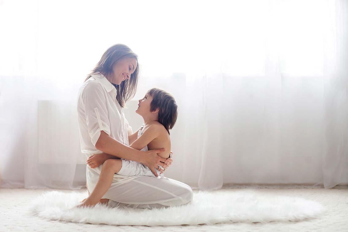 Complexe d'Œdipe :  l'enfant s'immisce  entre ses parents