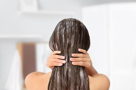 Prendre soin de ses cheveux pendant le confinement